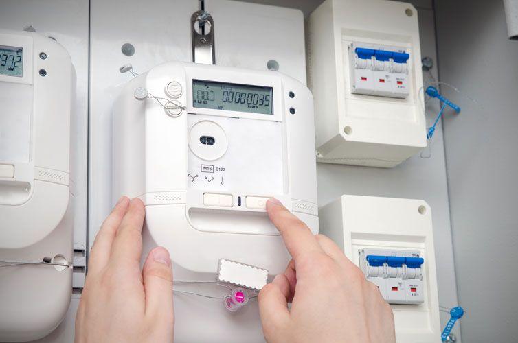 rehabilitacion electrica de edificio viviendas en madrid cambio de centralizacion de contadores y inspeccion electrica obligatoria